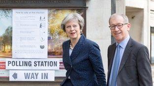 Britská premiérka Theresa Mayová je s výsledky místních voleb v Anglii spokojena