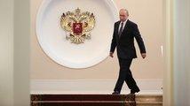 Putin načal čtvrté kolo a navrhl premiéra. Přihlížela i vysloužilá hvězda