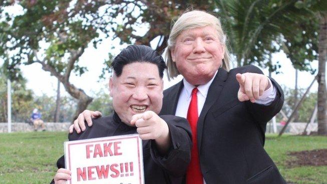 Donald a Kim. Kdopak jim na schůzku naletěl?