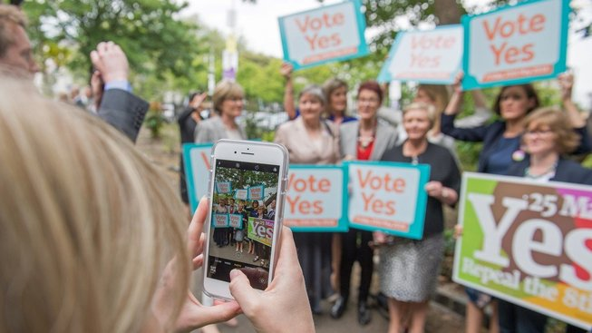 Odpůrci zákona zakazujícího potraty slaví v Irsku vítězství