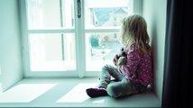 Spory kolem dětí se vyhrocují. Je třeba brát ohled i na jejich názor, apeluje Šabatová
