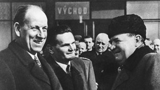 Antonín Zápotocký, Viliam Široký a Klement Gottwald (zleva), trojice komunistických pohlavárů, která stála za měnovou reformou. Gottwald byl u jejího zrodu, ale už se jí nedožil. Na Hradě ho nahradil Zápotocký a Širokého pověřili komunisté řízením vlády