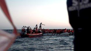 Francouzská organizace pomohla v neděli zachránit 629 migrantů na Středozemním moři, které ale odmítla Itálie přijmout