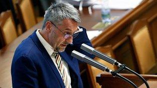 Na ministerstvo obrany míří dosavadní šéf vnitra Lubomír Metnar
