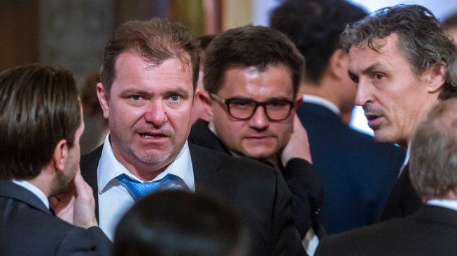 Cesty ohledně minoritních vlastníků vedou i Patriku Tkáčovi (vlevo)