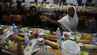 Alžírsko se pokusilo ukázat, že řeči o tom, jak týrá migranty ze subsaharské Afriky, jsou pouhá pomluva