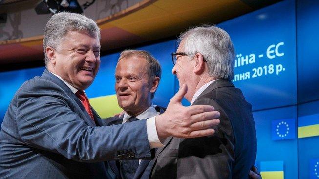 Ukrajinský prezident Petro Porošenko při dnešním setkání v Bruselu s představiteli EU