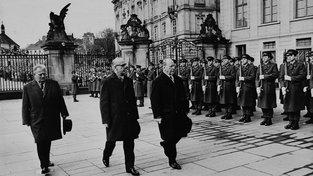 Walter Ulbricht na návštěvě Prahy v březnu 1967. Zleva: Antonín Novotný, Willi Stoph, Walter Ulbricht