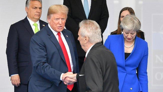 Přitlač Miloši, dlužíš Americe jen za letošek padesát miliard