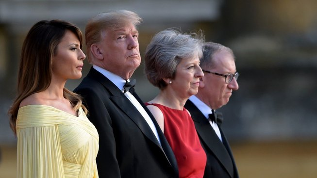 Americký prezident Donald Trump a britská premiérka Theresa Mayová