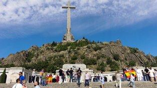 Protest Francových příznivců v Údolí padlých