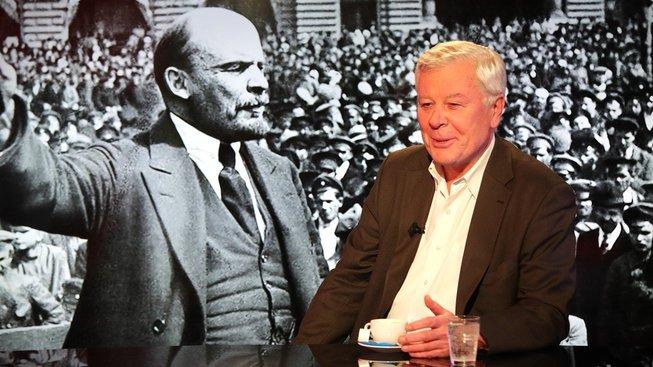 Komunistu Josefa Skálu evidovala StB pod krycím jménem Josip (Stalin). Sluší mu to však i s Leninem