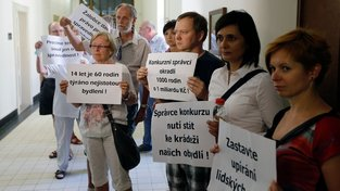 Protestující klienti H-Systemu