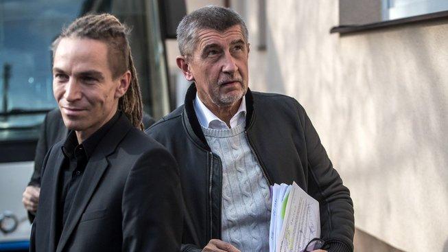 Pirátská strana Ivana Bartoše žádá po Agrofertu Andreje Babiše vrácení všech dotací