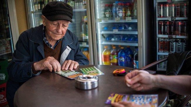 Stojan Stojmenov kupuje pravidelně losy už dva roky