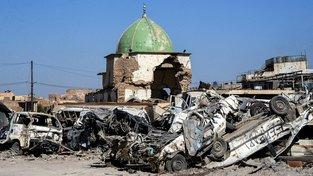 Trosky mešity an-Núrí v iráckém Mosulu, kterou vyhodil do povětří Islámský stát