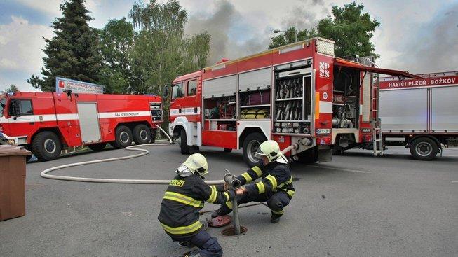 V červenci hořelo i v plzeňském Sportovním klubu neslyšících