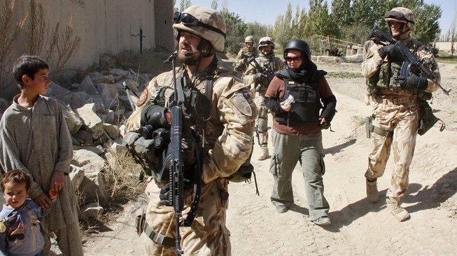 Čeští vojáci na hlídce v Afghánistánu