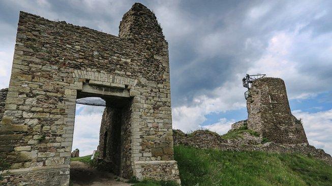 Hradu Lichnice se přezdívalo strážce Železných hor