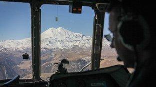 Vrcholek Elbrusu z vrtulníku