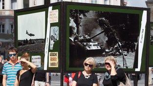 Lidé si připomínají srpnovou invazi po celém Česku (Ilustrační snímek)