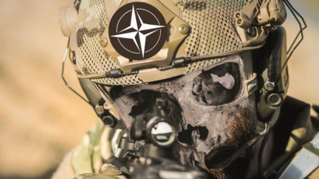 K výročí srpnové invaze sovětských vojsk nabídlo komunistické vedení na svém webu plakát vojáka-lebkouna NATO. Vztahují snad komunisté tento obrázek i na české vojáky v Afghánistánu?