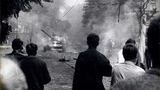 I světová média se věnují událostem srpnové invaze vojsk varšavské smlouvy do Československa