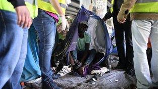 Na konci května likvidovali francouzské bezpečnostní složky tábor ilegálních migrantů
