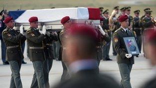 Ostatky českých vojáků zabitých v Afghánistánu byly pohřbeny v Česku