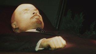 Leninovo tělo v moskevském mauzoleu