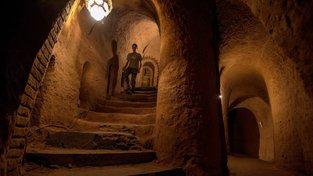 Levon Arakeljan hloubil podzemní labyrint pod svým domem více než 23 let
