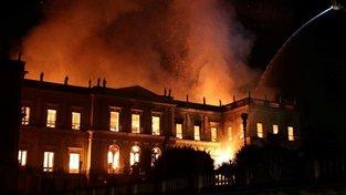 V brazilském Národním muzeu shořelo přes 20 milionů exponátů