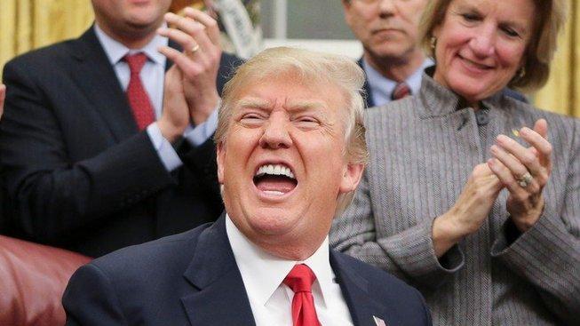 Je jako dítě, říkají o Trumpovi někteří spolupracovníci