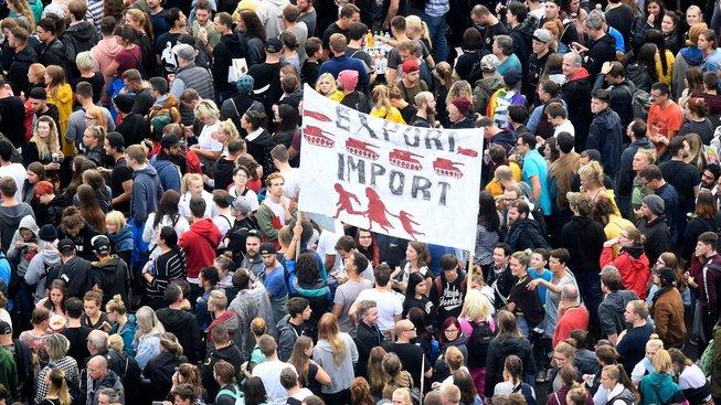 Proti štvanici na migranty ve východoněmeckém Chemnitzu se konala řada protestů i koncert proti rasismu