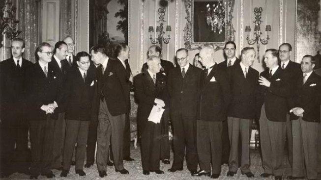 Prezident Beneš, Jan Masaryk a hosté na oslavě výročí vzniku Československa, rok 1943, Londýn.