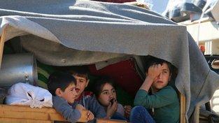 Děti opouštějící bojové linie v Sýrii