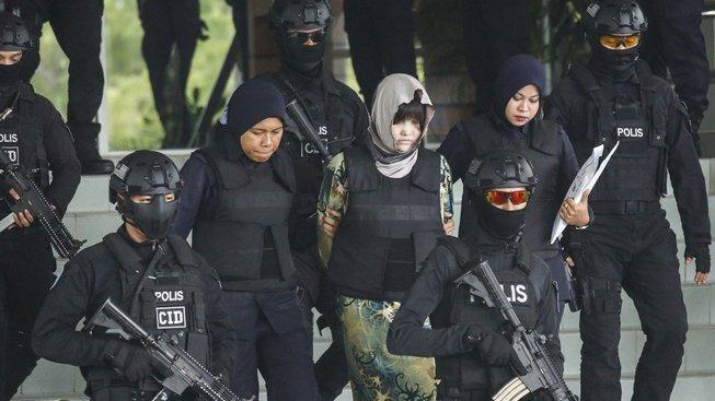 Vraždu bratra vůdce KLDR přímo na letišti vykonaly dvě ženy