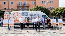 Jak utopit šéfa diplomacie aneb Konec politiků v Čechách