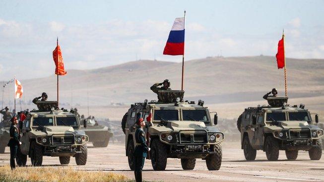Ruská a čínská armáda se společně účastnily i vojenskcýh manévrů Východ 2018
