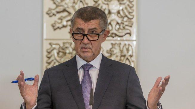 Premiér Andrej Babiš chválil vládu za platy a slevy na jízdném