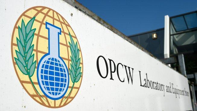 Vstup do sídla Organizace pro zákaz chemických zbraní v Haagu