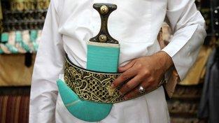 Džambíje za opaskem jsou symbol odvahy a sociálního postavení. Ilustrační snímek