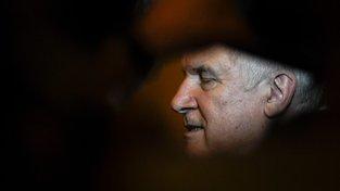Šéf CSU Horst Seehofer nejspíše brzy skončí ve vedení strany