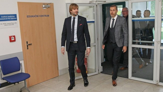 Ministr zdravotnictví Adam Vojtěch a šéf ostravské nemocnice Evžen Machytka