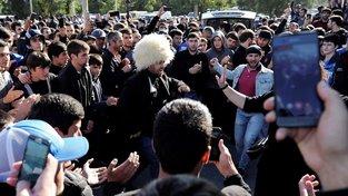 Chabiba Nurmagomedova v jeho rodišti vítali jako hrdinu