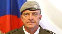 Českého vojáka zabitého v Afghánistánu přepraví ve středu. Zvažte konec mise, apeluje Zaorálek