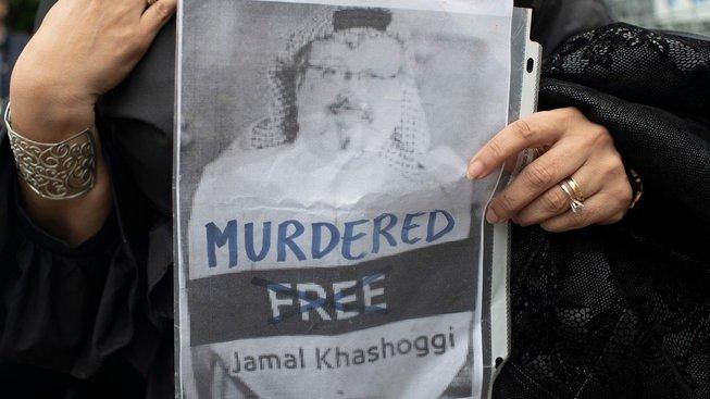 Protesty před konzulátem Saúdské Arábie v Istanbulu