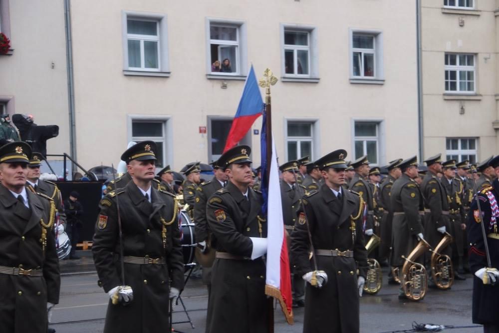Přehlídka k 100. výročí založení Československa