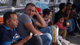 Imigranti na hranicích Spojených států a Mexika