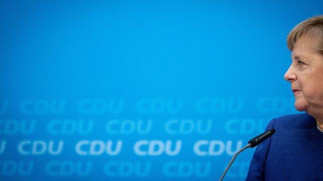 Německá kancléřka Angela Merkelová nebude v prosinci znovu kandidovat na šéfku CDU.